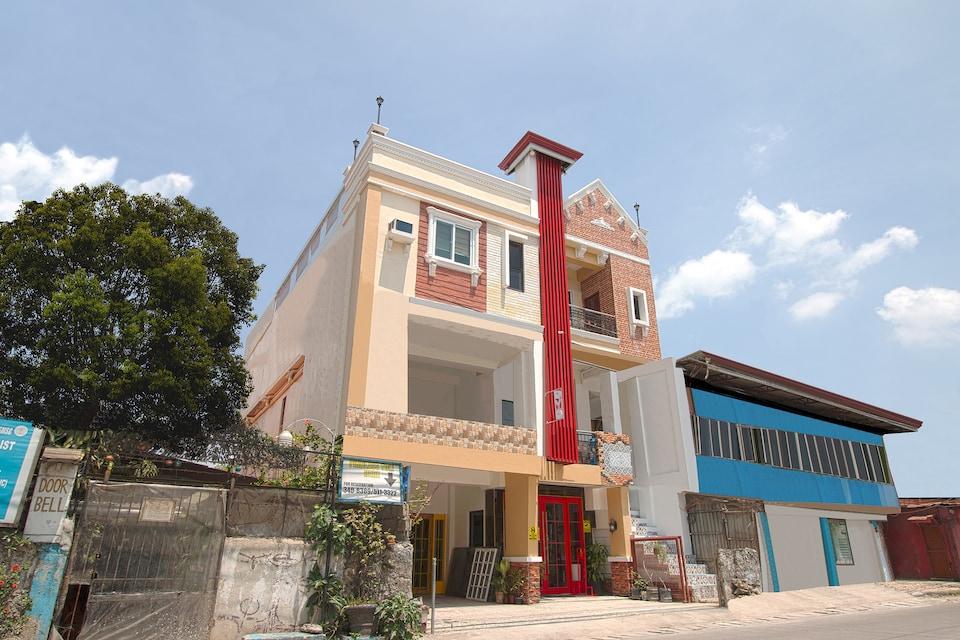 Vaccinated Staff - OYO 685 K Fortune Apartelle, Cebu City, Cebu