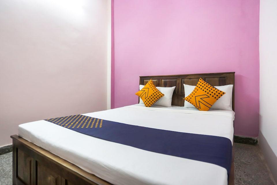 SPOT ON 74955 Dream Palace, Anand Vihar Delhi, Delhi