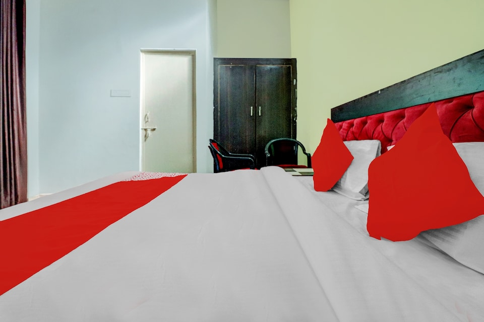 OYO 74957 Hotal Niwari House, Aligarh, Aligarh