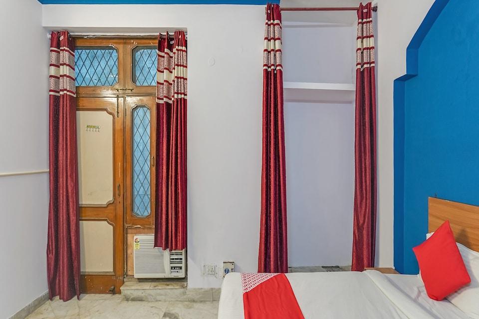 OYO 74958 Ansh Guest House, Noida Stadium, Noida