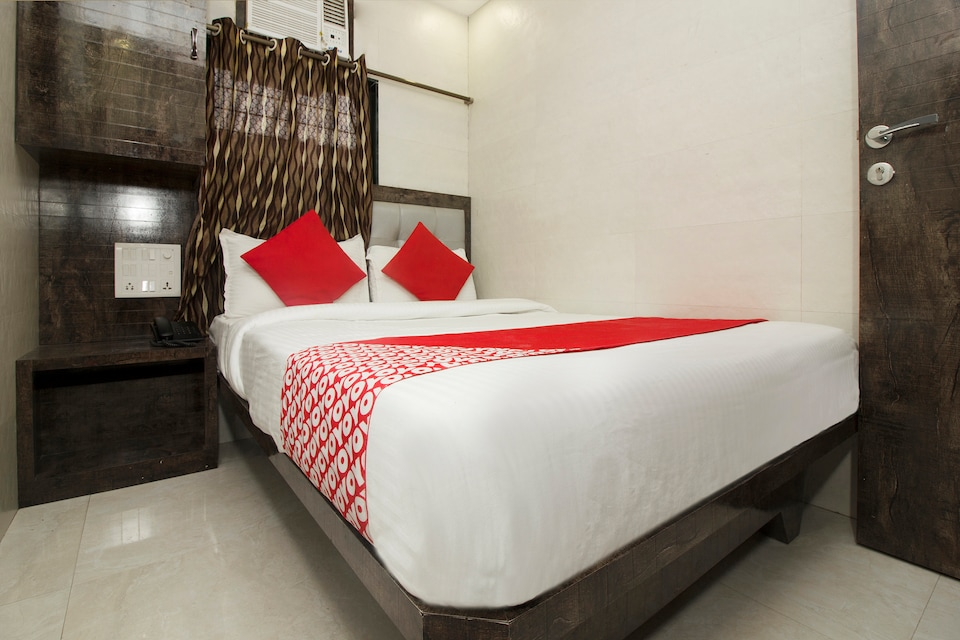 OYO 6312 Hotel Paris Residency