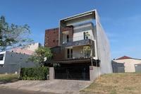 OYO Life 3911 Avila Residence
