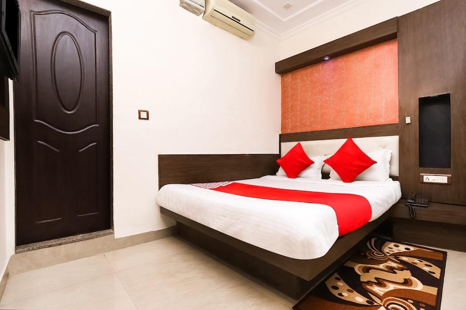 OYO 6317 Hotel Shiv Palace, Paharganj Delhi, Delhi