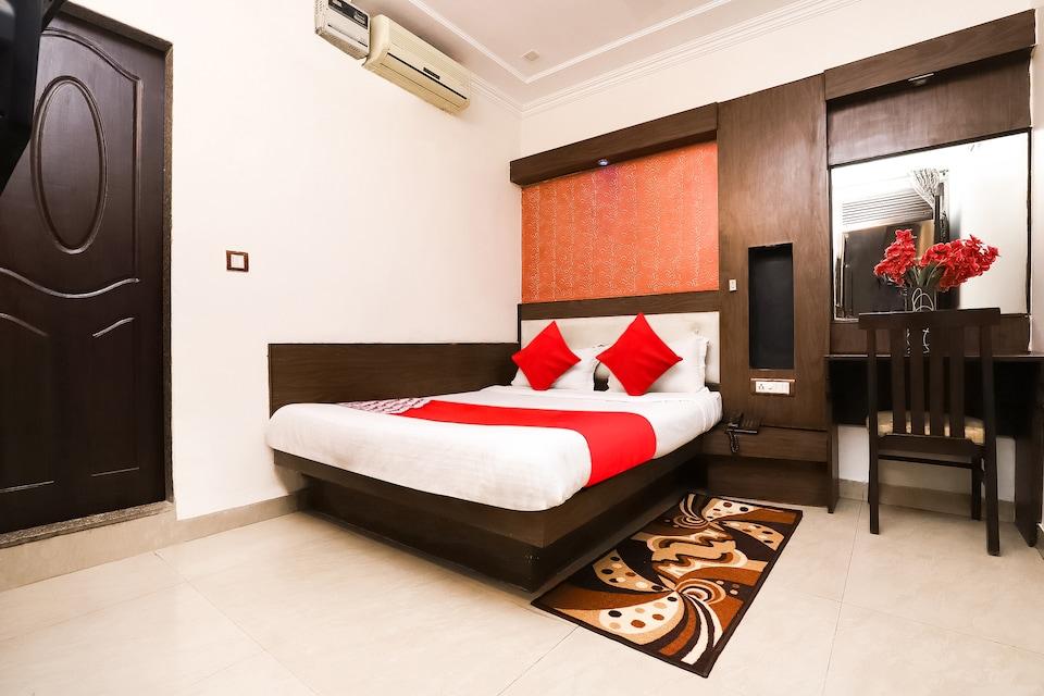 OYO 6317 Hotel Shiv Palace