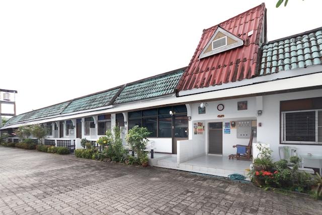 Vaccinated Staff - OYO 1154 Naiyang House