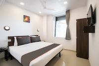 Oyo 42609 Townhouse Gokul Solitaire VIP Rd
