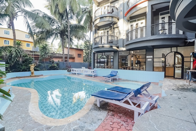 OYO Townhouse 256 Silver Palm Resort