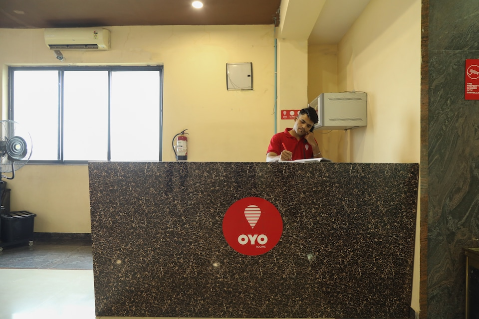 OYO Flagship 64715 Orient Palace