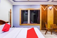 OYO Flagship 75122 Raydission Inn