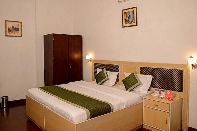 OYO Rooms 264 Apex Circle Malviya Nagar