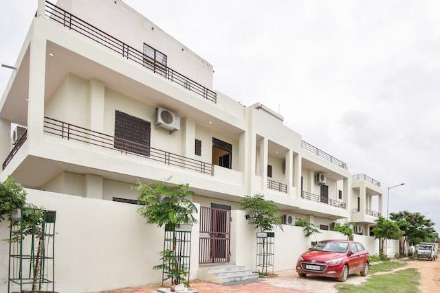 OYO 75136 Hotel Krishna