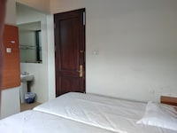 OYO Life 3944 Family Guest House Sukomanunggal