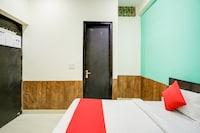 OYO 75162 Hotel Sanskar