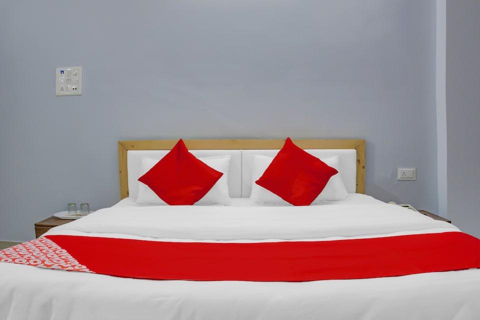 OYO 75173 Hotel Regency