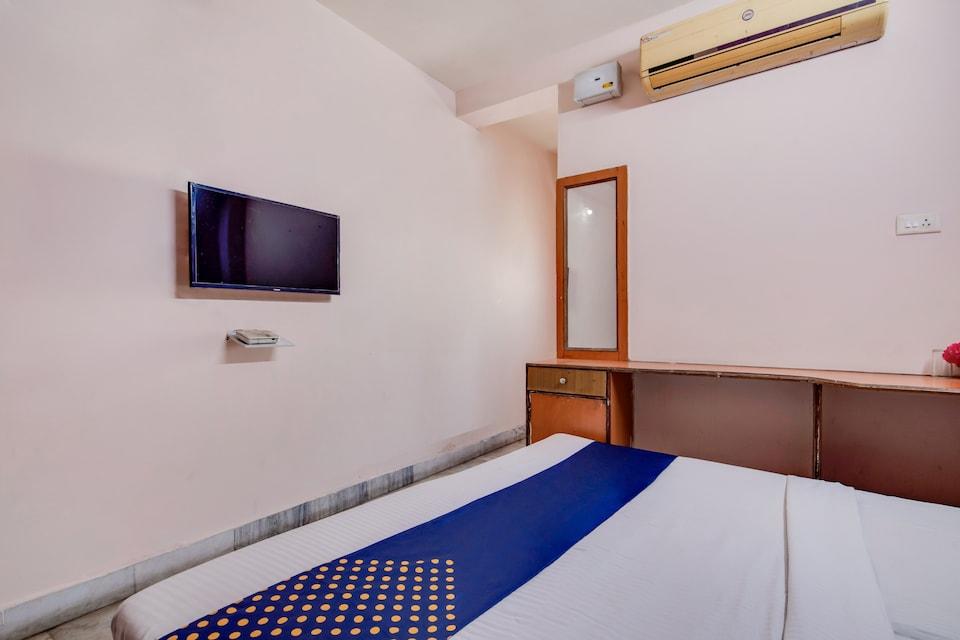 SPOT ON 75188 Hotel Cauvery
