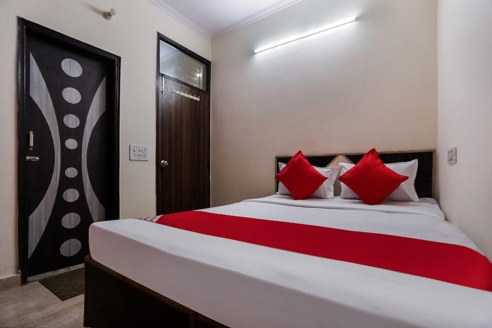 OYO 75210 Hotel Sunshine, Anand Vihar Delhi, Delhi