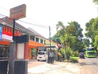 OYO 3956 Hotel Palem 2