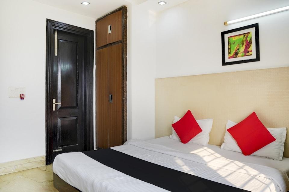 Capital O 75273 Hotel Exotica Noida Expressway