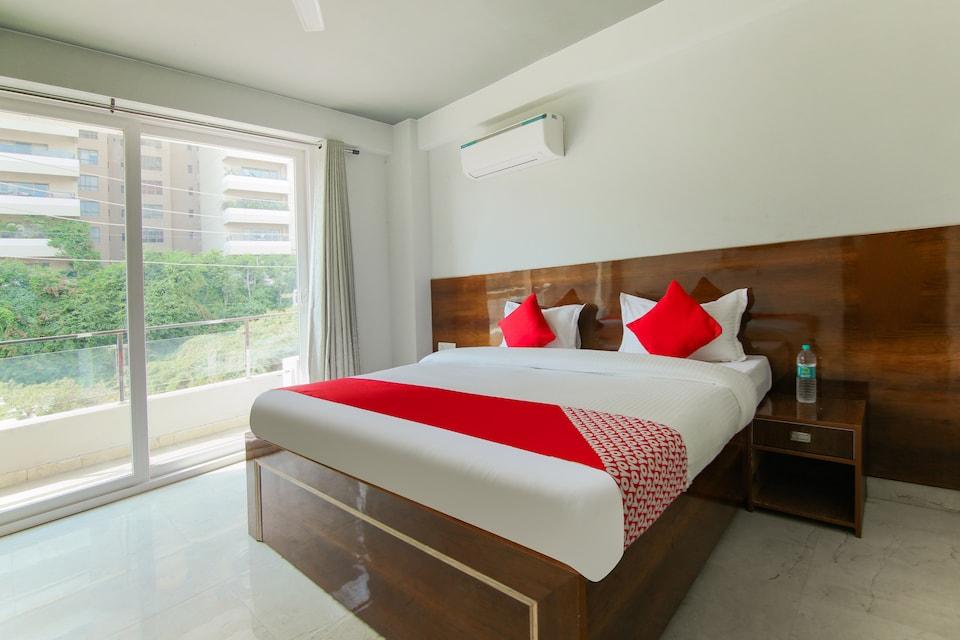 OYO 75277 Sunshine Inn, Golf Course Road, Gurgaon
