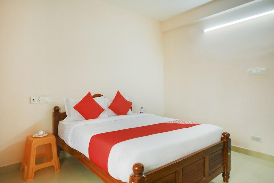 OYO 75298 Sri Devi Guest House