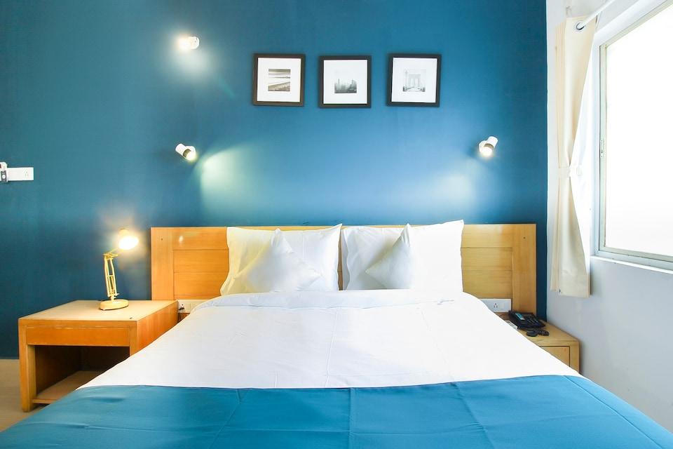 SilverKey Executive Stays 45761 Kshitij Colony Rd, Pimpri Pune, Pune