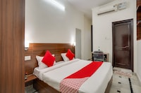 OYO 75316 Hotel Jay Residency