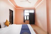 SPOT ON 75328 Sanrac Residency