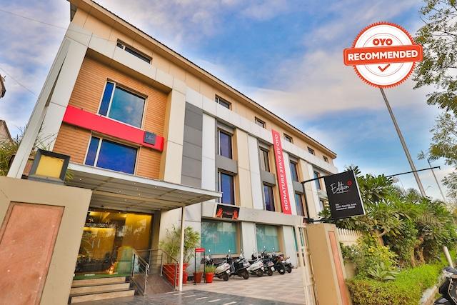 Collection O 30025 Ambli-Bopal Road