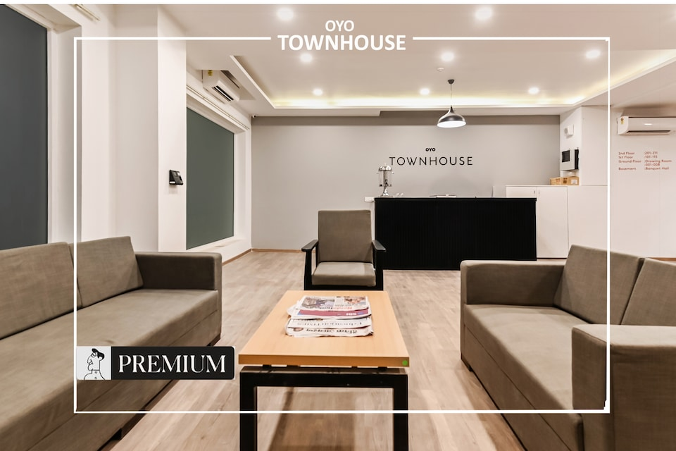 OYO Townhouse 173 Knowledge Park 3