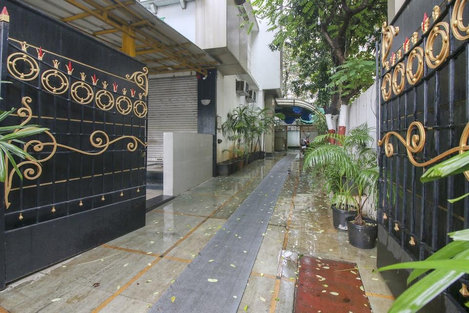 CAPITAL O75414 Hotel Dream Residency, Mumbai Bhandup-Vikhroli-Mulund, Mumbai