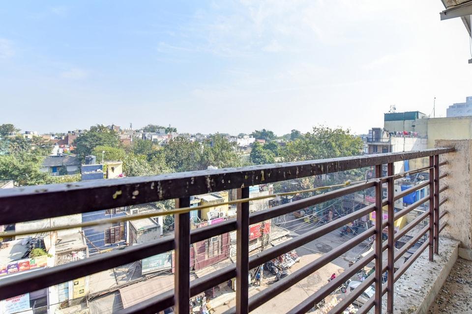 OYO 75436 South Delhi Inn