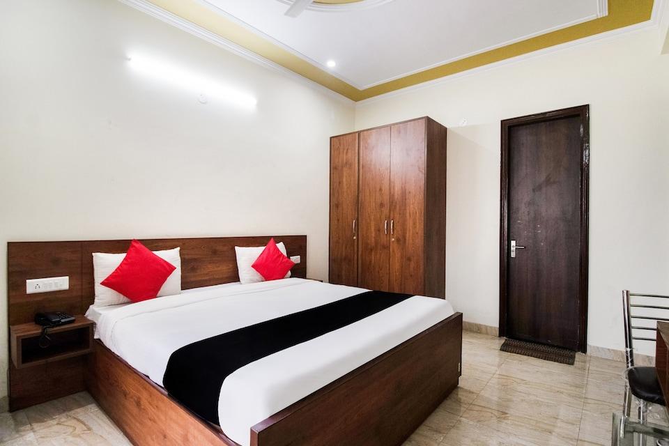 OYO 75457 The Hotel, Medanta, Gurgaon