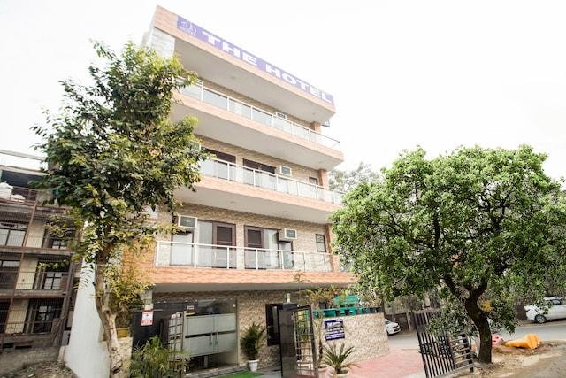 OYO 75457 The Hotel