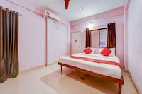 OYO 75536 Hotel Sai Residency