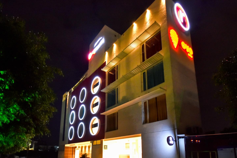 OYO 963 Hotel Rumaya -1