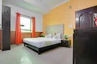 OYO Flagship 75558 The Gour Lazeez Hotel Near Lajpat Nagar Metro Station