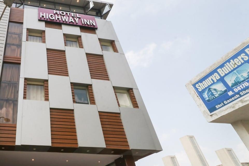 OYO 75573 Hotel Highway Inn, Zirakpur, Zirakpur
