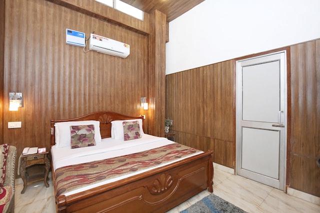 OYO 6370 Hotel Golden Woods