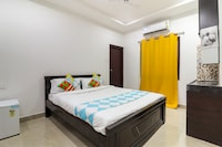 OYO Flagship 75583 Thatipally Mansion