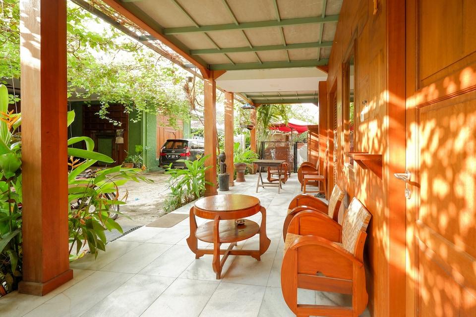 OYO 4016 Tan Jokteng Guest House