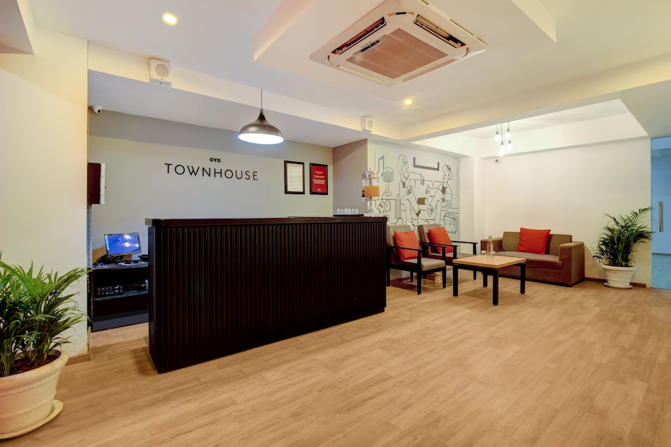 OYO Townhouse 166, Sector 38, Gurgaon