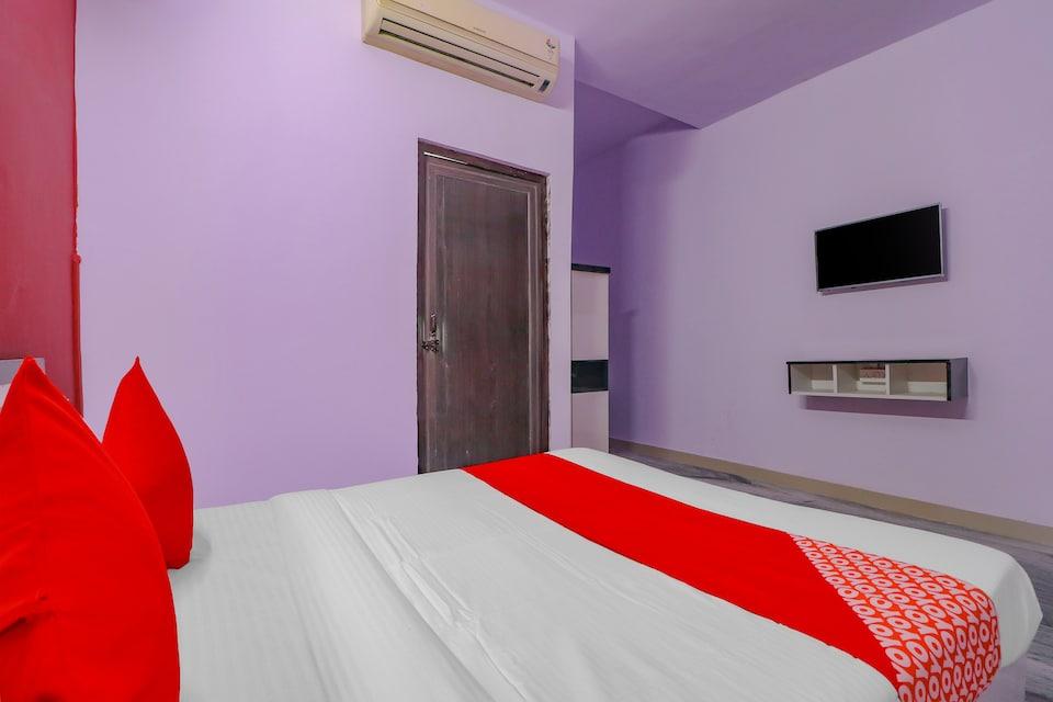 OYO 75632 Primrose Hotel's, Noida Expressway SEZ, Noida