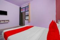 OYO 75632 Primrose Hotel's