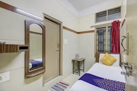 SPOT ON 75643 Golden Guest House