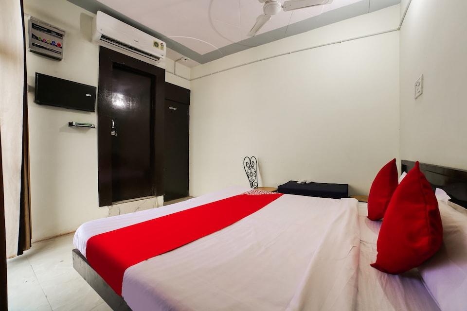 OYO 75662 Haryana Hotel