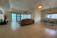 OYO 586 Home 1206 East Heights 3, Executive Towers