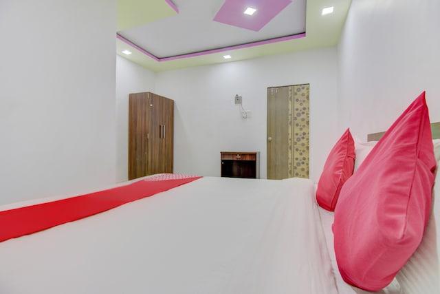 OYO 75763 Hotel Matoshree