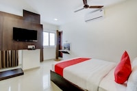 OYO 75776 Sri Sai Suites