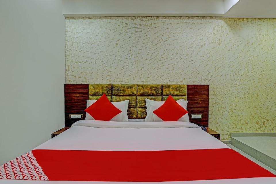 OYO 75791 Hotel Shree Pashupati Inn