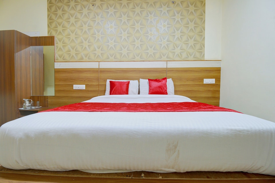 Collection O 37476 Hotel Nakshatra Grand Hill Bunk